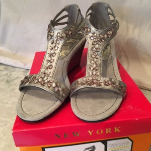 NYT Silver wedges, Size 7